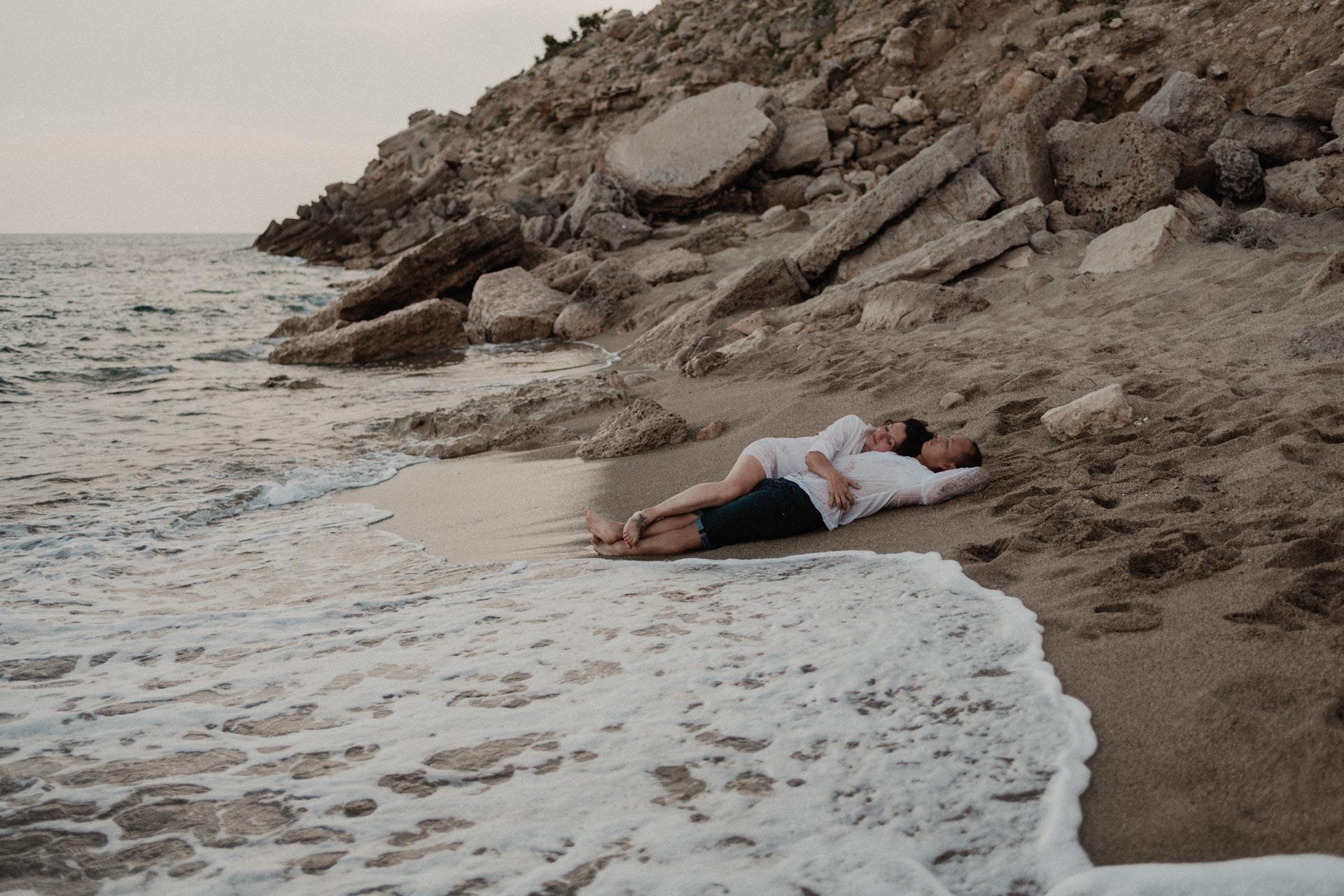 séance couple au bord de la mer
