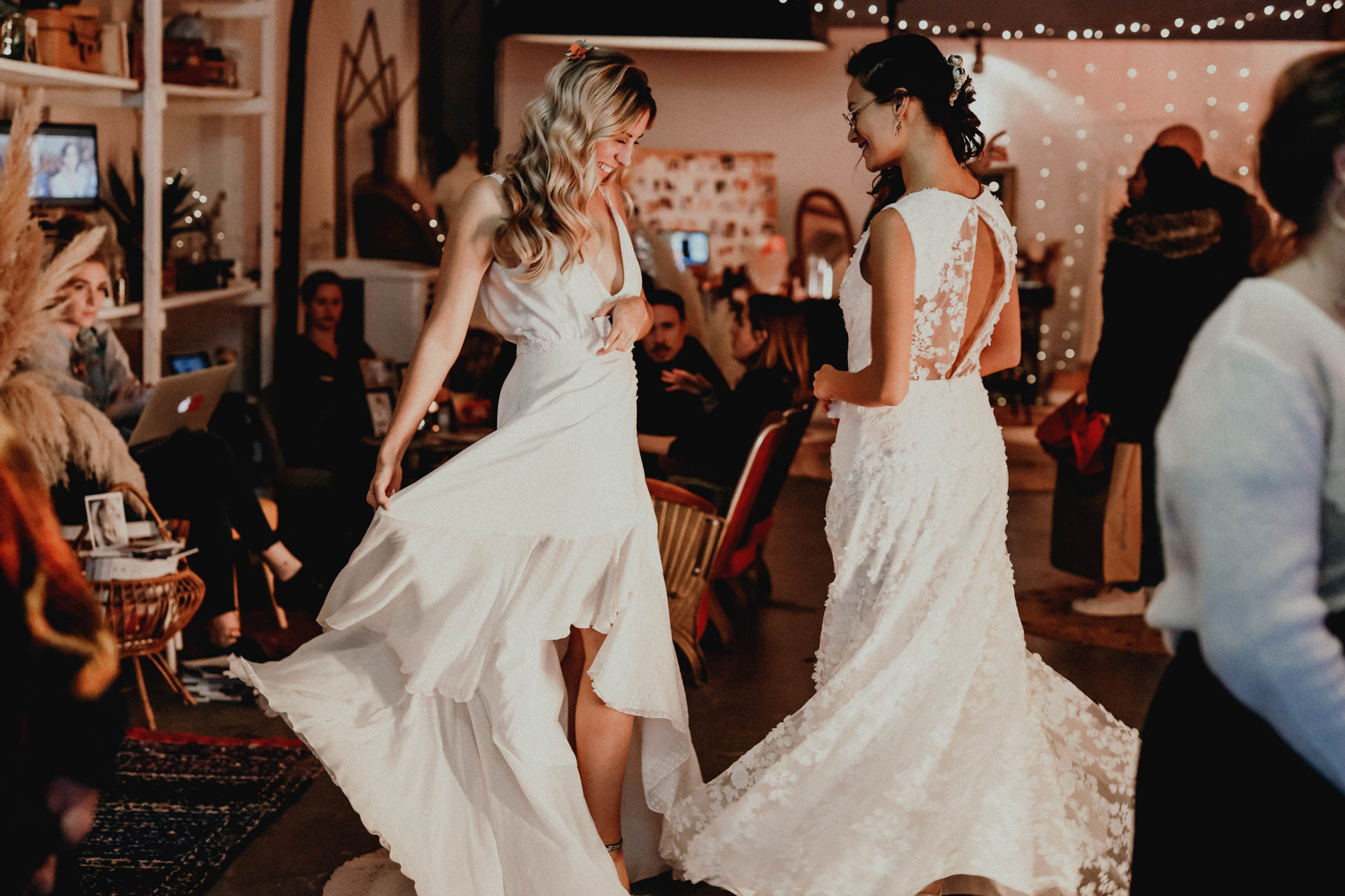 mariées dansant festival crazy folk love